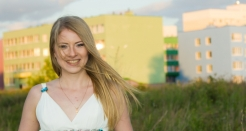 Discover what girls from Ukraine expect from a man who is courting them thumbnail